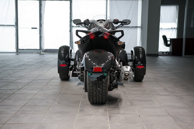 Pre-Owned 2015 Can-Am